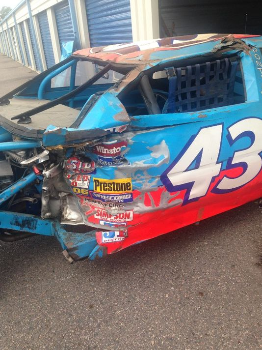 Petty's 1988 Daytona wreck sold as prelude to upcoming