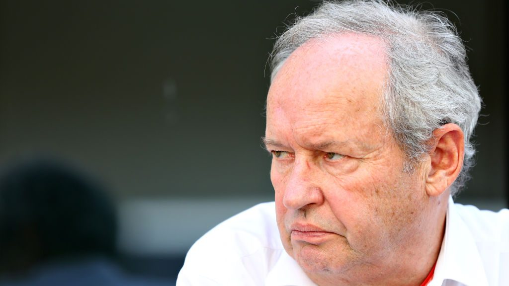 Stoll leaves Renault F1