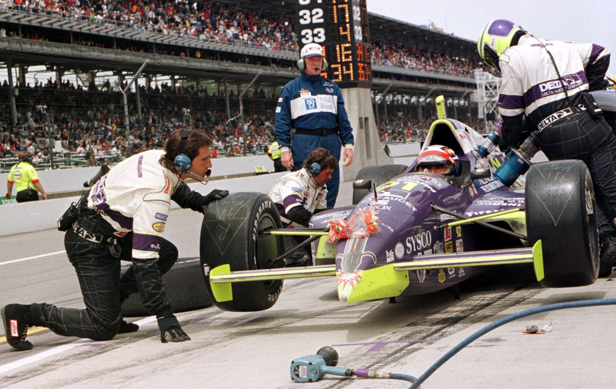 CAR-INDY500-LAZIER PITS